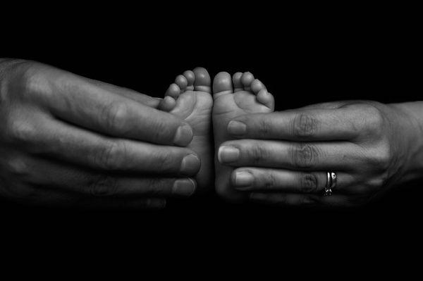 Newborn feet close up at photoshoot in leeds